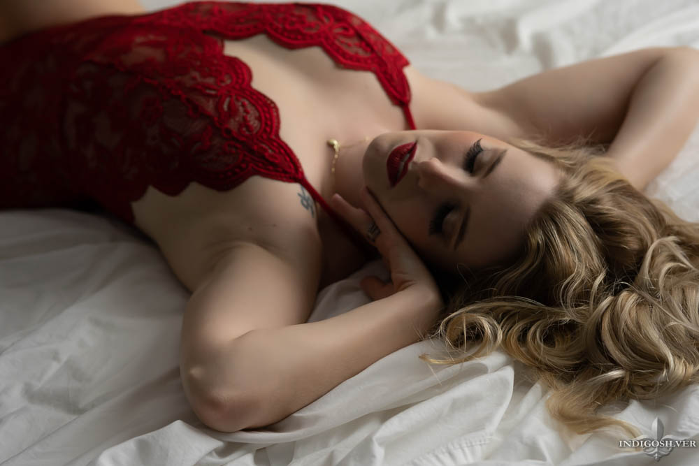 boudoir with pale skin